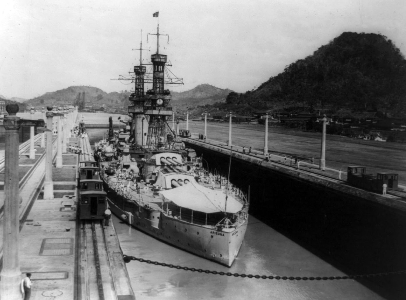 USS_Arizona_(BB-39)_Panama_Canal